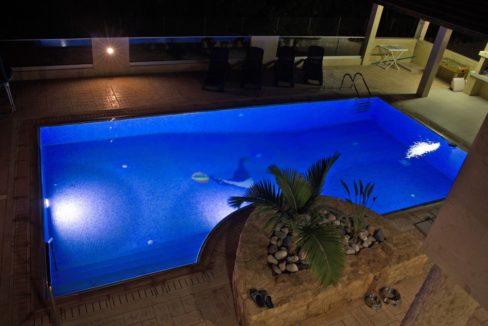 pool.night2