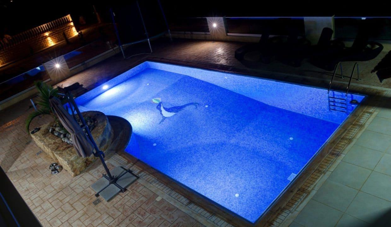 pool.night3