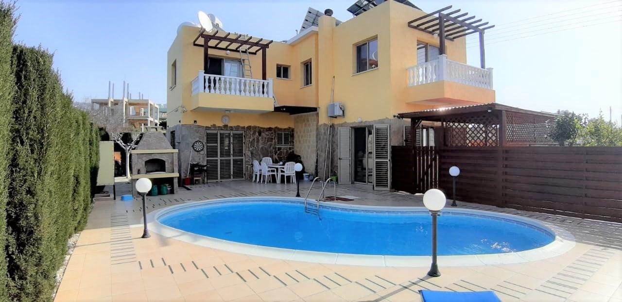 Detached 4 bedrooms, 3 bathrooms villa in Tala, Paphos