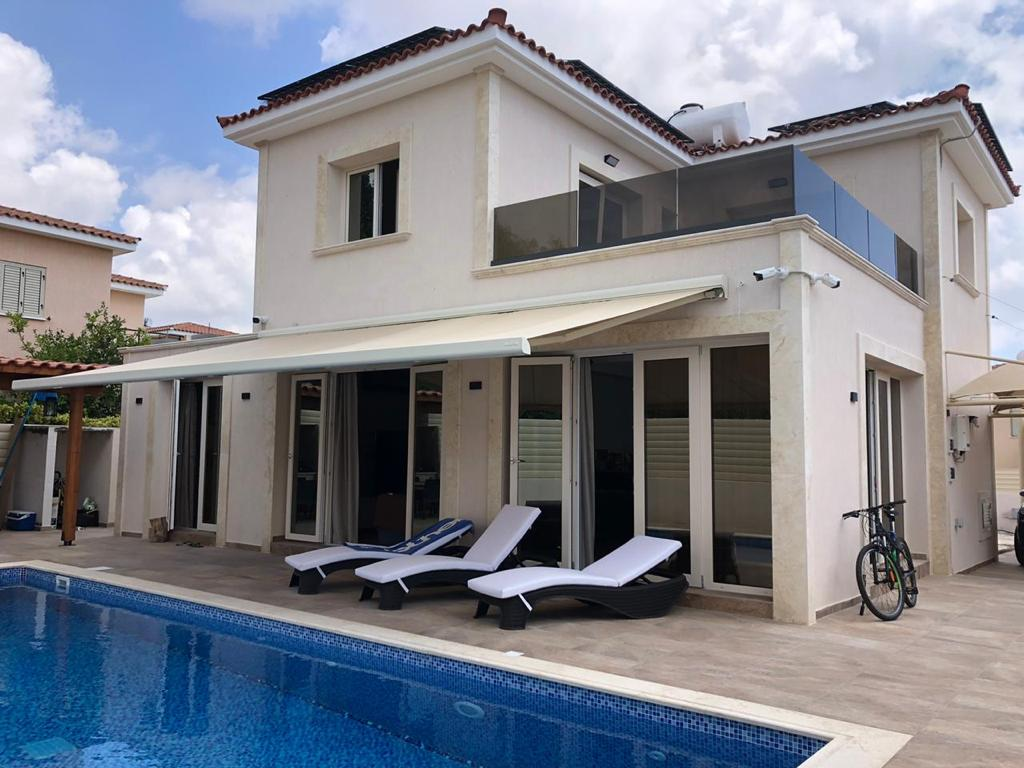 Detached 3 bedroom villa in Chloraka, Paphos