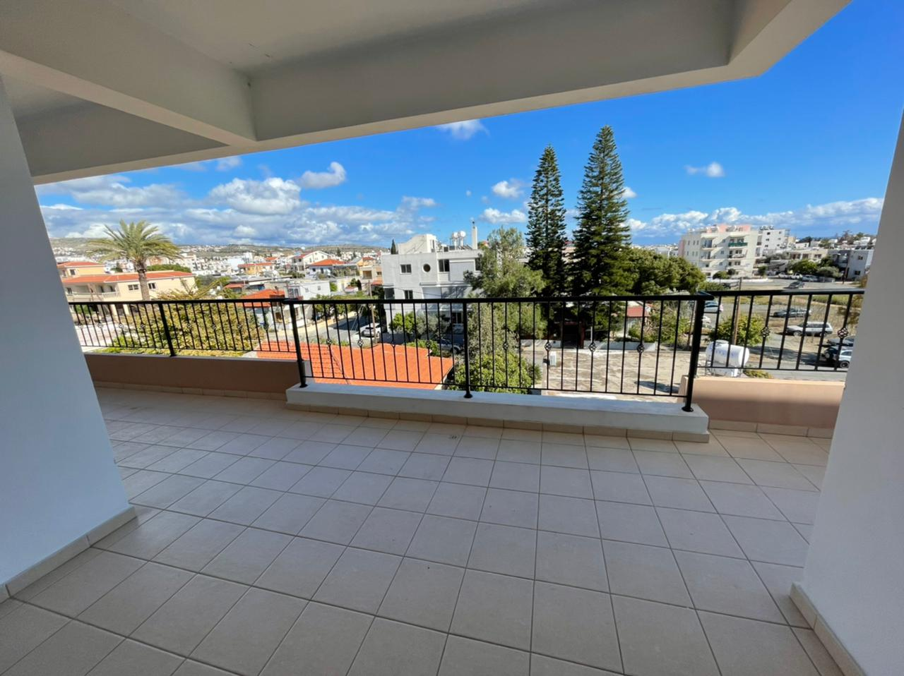 3 bedroom apartment in center of the Paphos